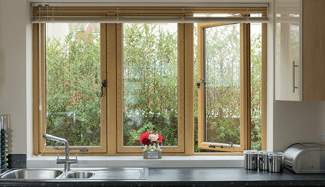 Flush sash window in wooden foil